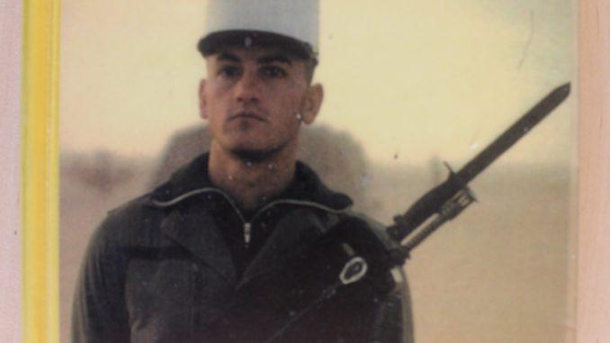 Soldat i fremmedlegionen forfatter Tony Sloane