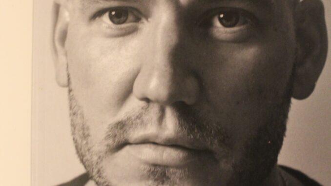 Begge sider af Nicklas Bendtner